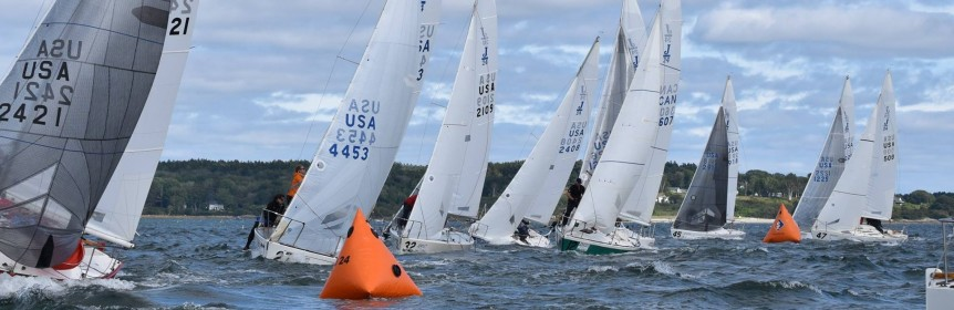 J/24s rounding windward mark